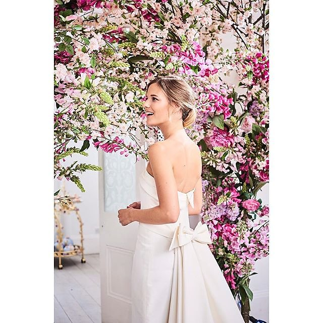 Recent work featured in the Big Day Lookbook for @bridesmagazine Thaina @lenis_models Flowers @dickinsonanddoris Make-up Desmond Grundy @carolhayesmanagement Hair by Julie Read @carolhayesmanagement .